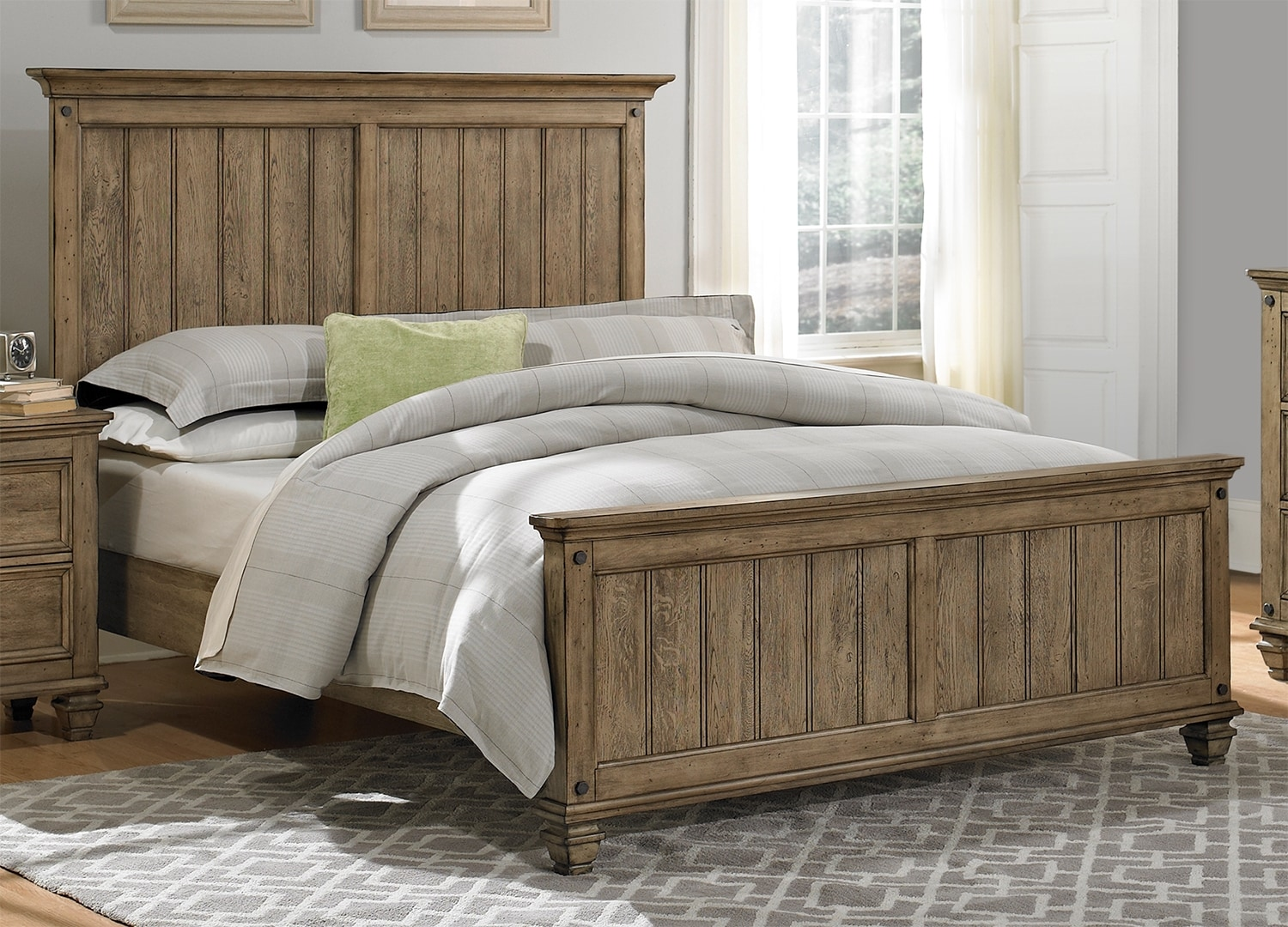 Hartwell Queen Bed - Brown Driftwood