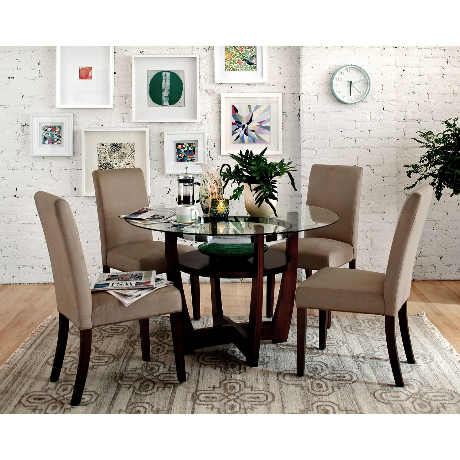 4 Chairs In Dining Room: Alcove Dinette With 4 Side Chairs - Beige