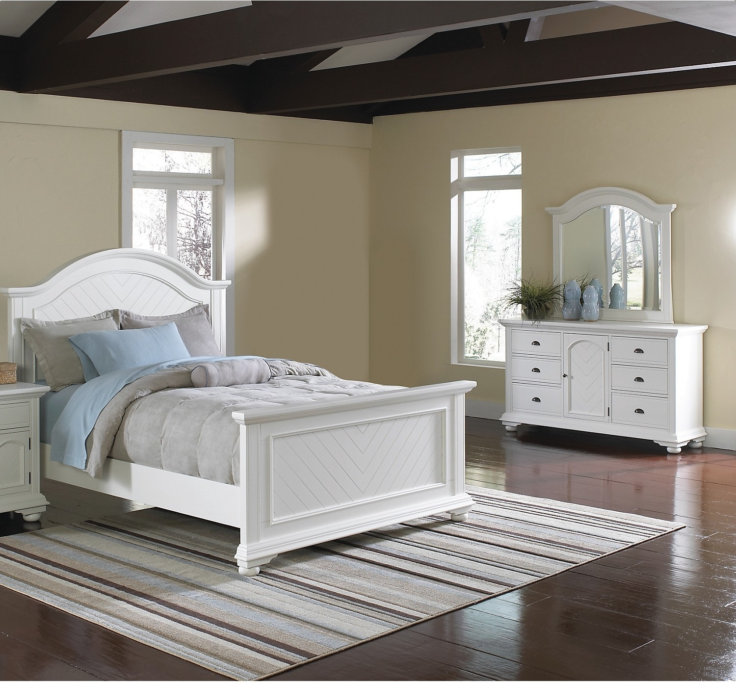 brook off white 5 piece queen bedroom set united furniture warehouse. Black Bedroom Furniture Sets. Home Design Ideas