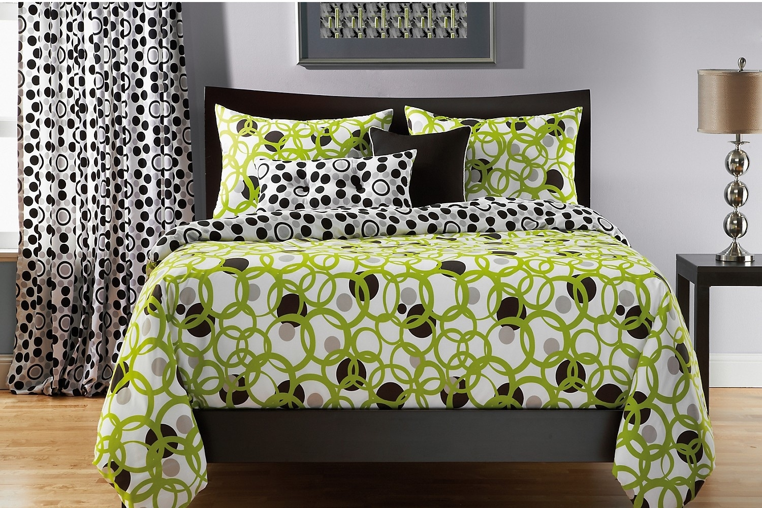 Accent and Occasional Furniture - Full Circle Green Reversible 4 Piece King Duvet Cover Set