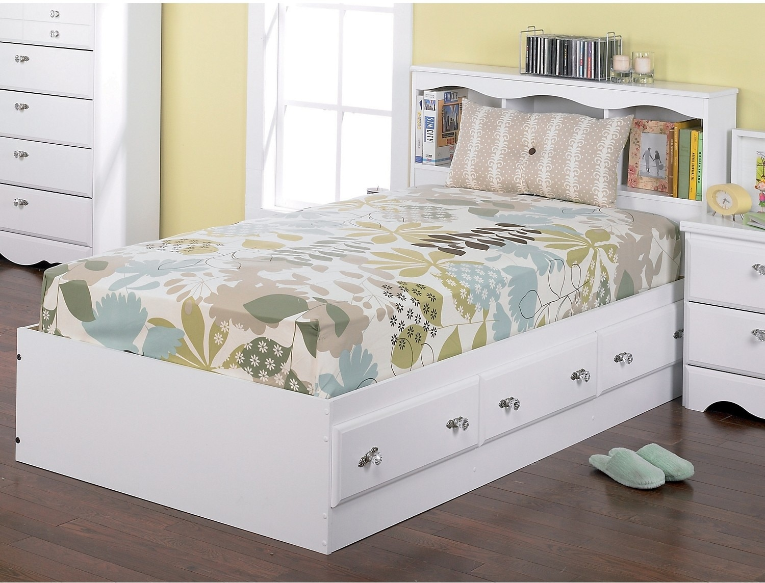 Diamond Dreams Matesbed w/Bookcase Headboard