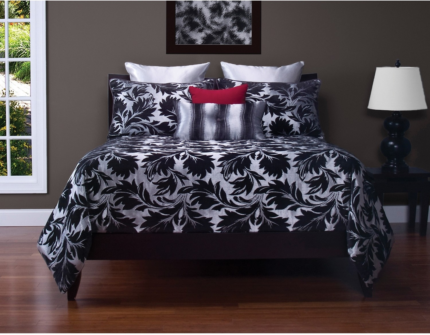 Accent and Occasional Furniture - Ciro 8 Piece King Duvet Cover Set