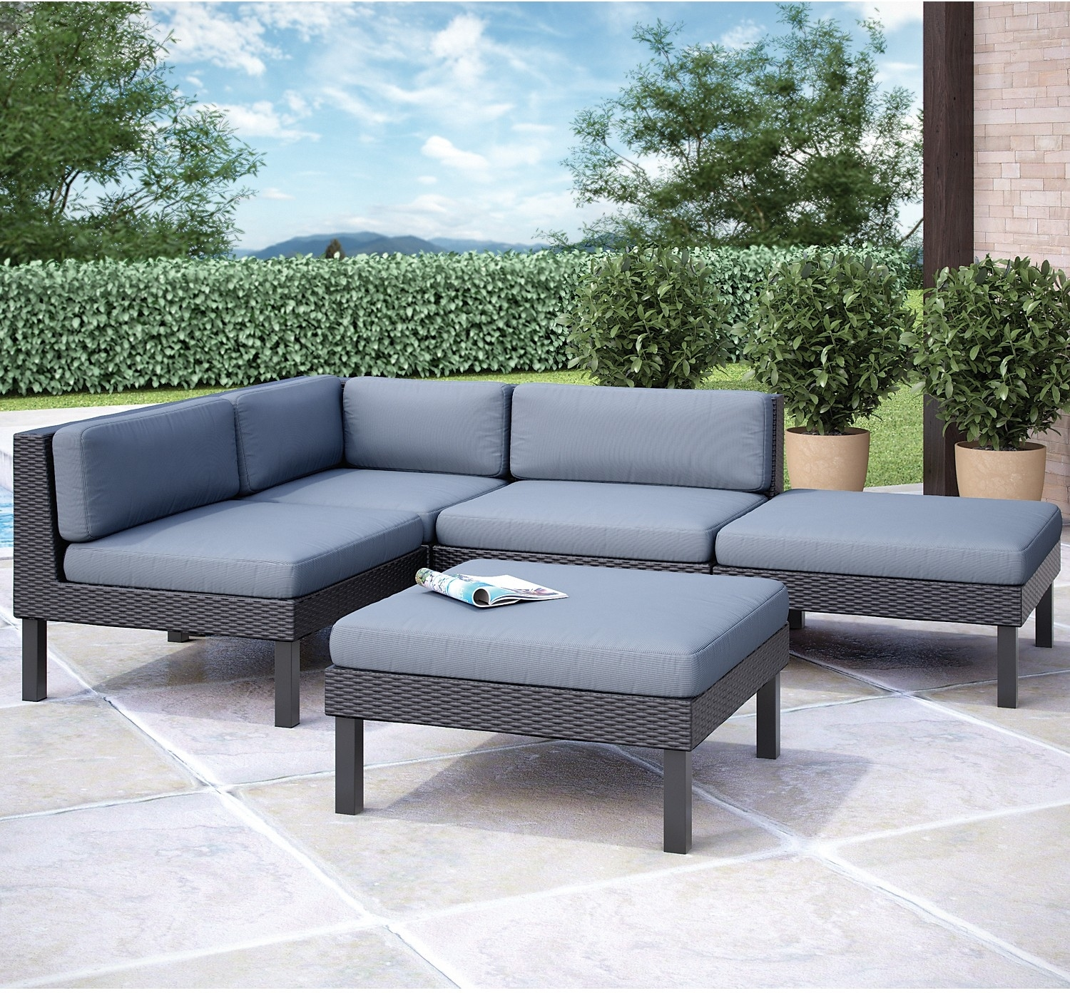 Oakland 5 piece sectional with chaise black united for Black sofa with chaise