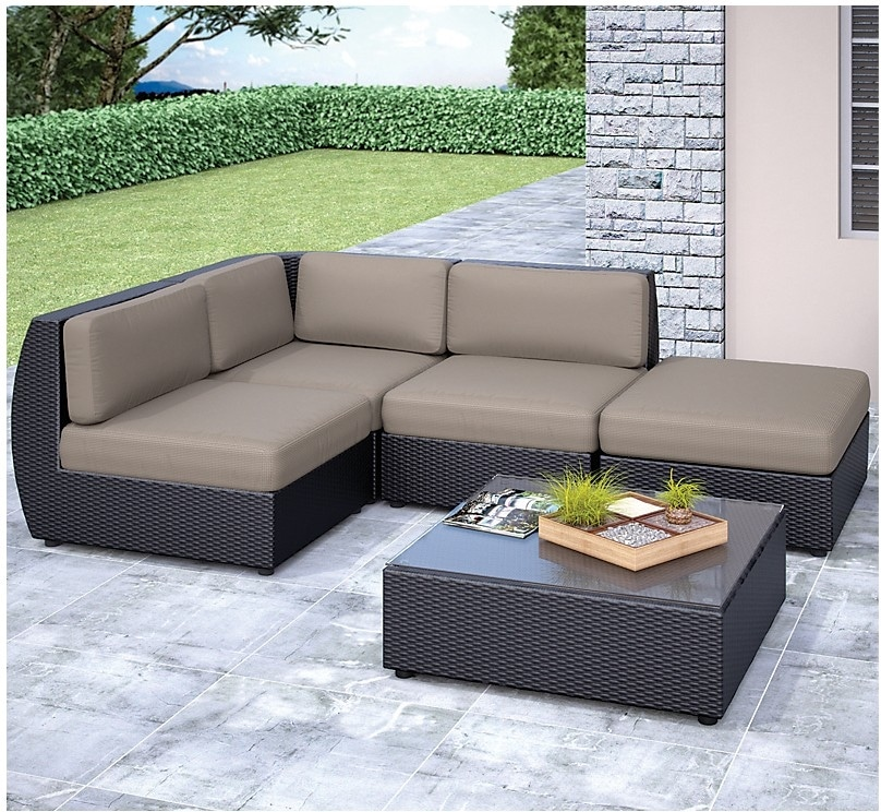 Outdoor Furniture - Seattle Sectional and Table Set
