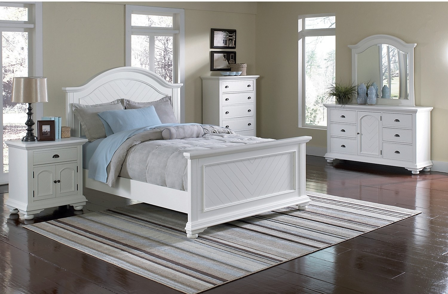 Brook Off-White 8-Piece Full Bedroom Package