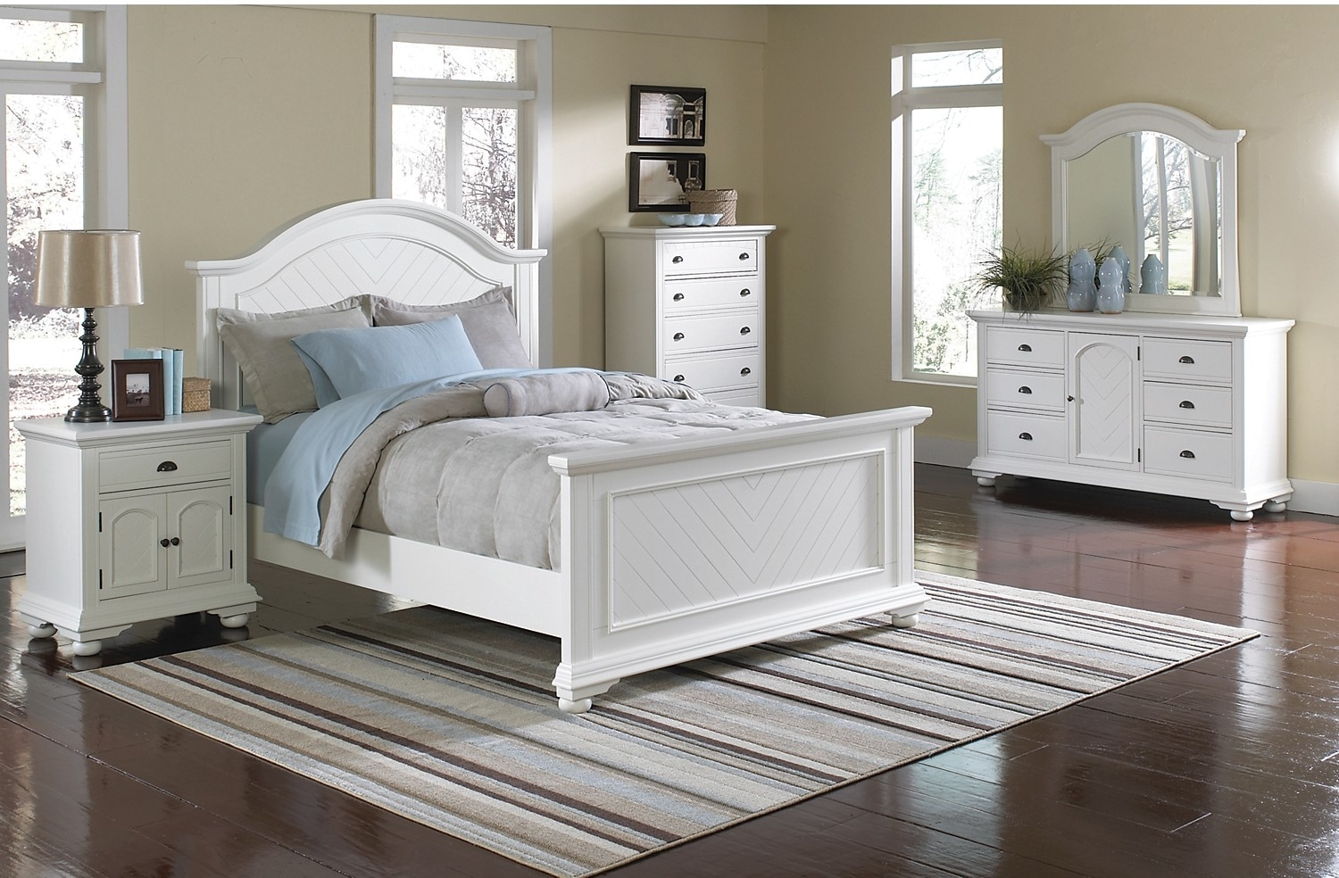 Bedroom Furniture - Brook Off-White 8-Piece Queen Bedroom Set