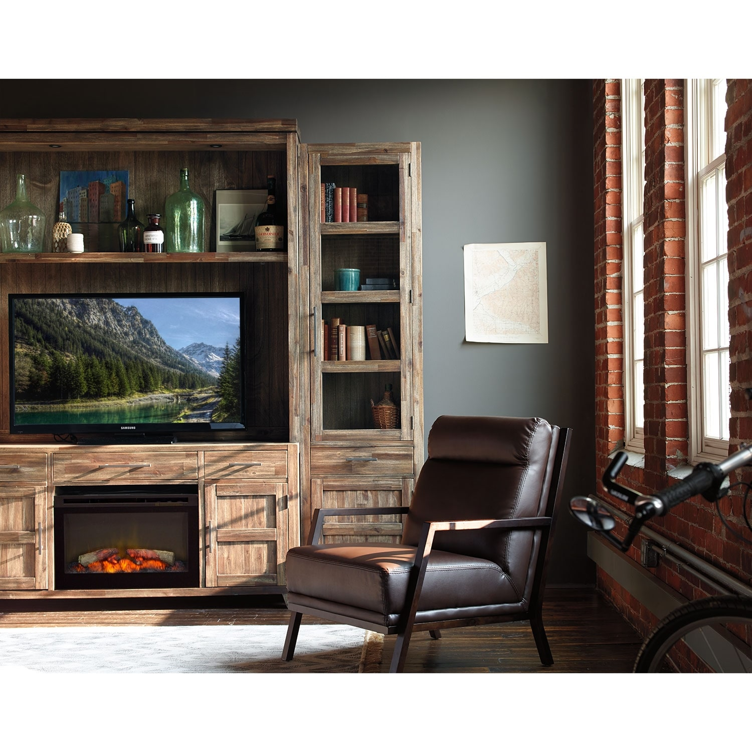 Hutchinson 5 Pc. Entertainment Wall Unit With Traditional