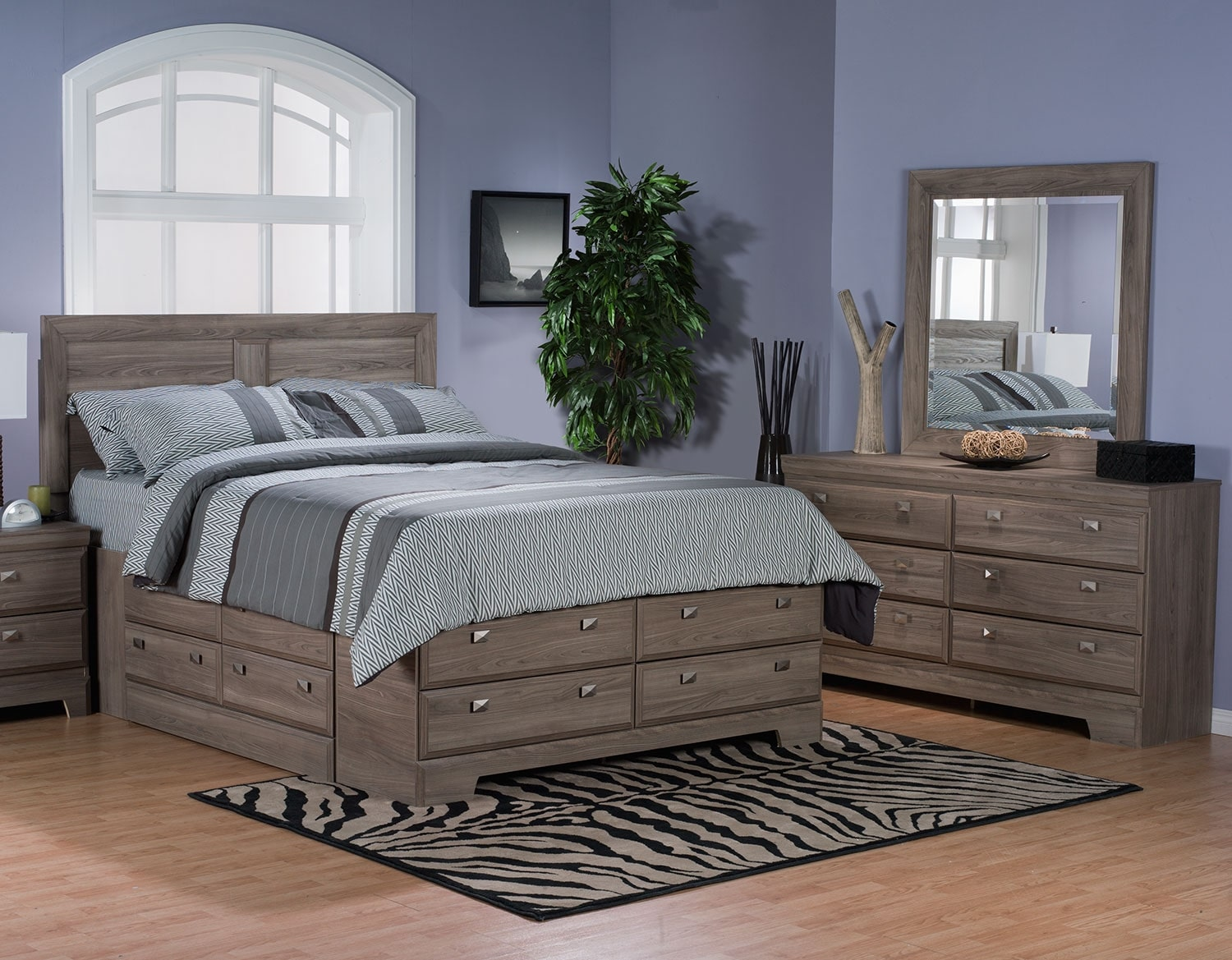 Bedroom Furniture - Yorkdale Light 5-Piece Full Storage Bedroom Package