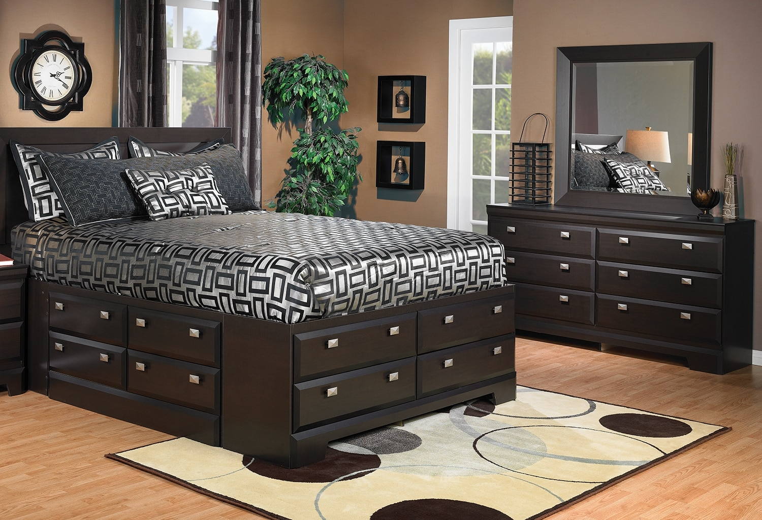 Bedroom Furniture - Yorkdale 5-Piece Full Storage Bedroom Package