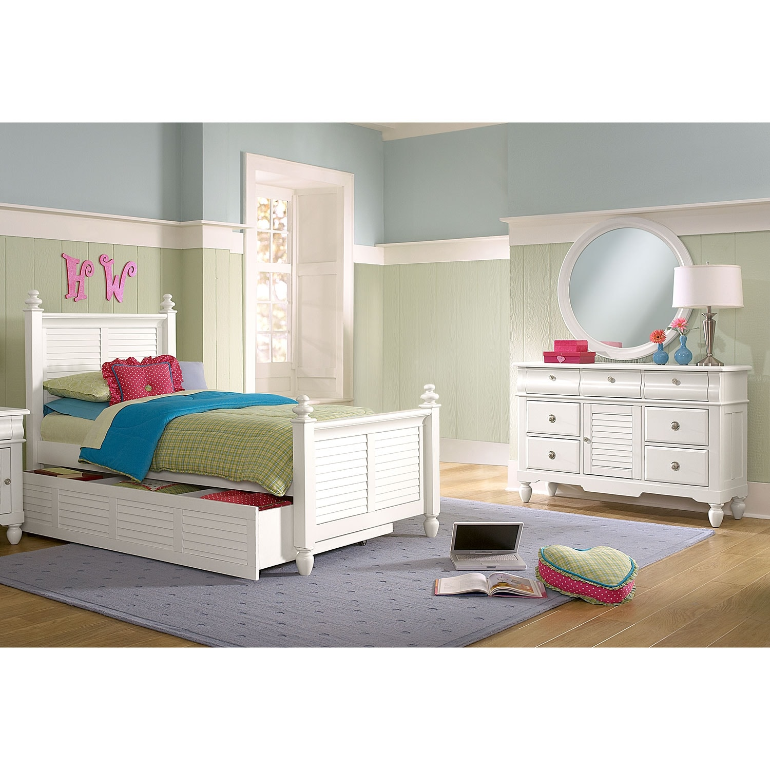 [Seaside White 6 Pc. Full Bedroom with Trundle]