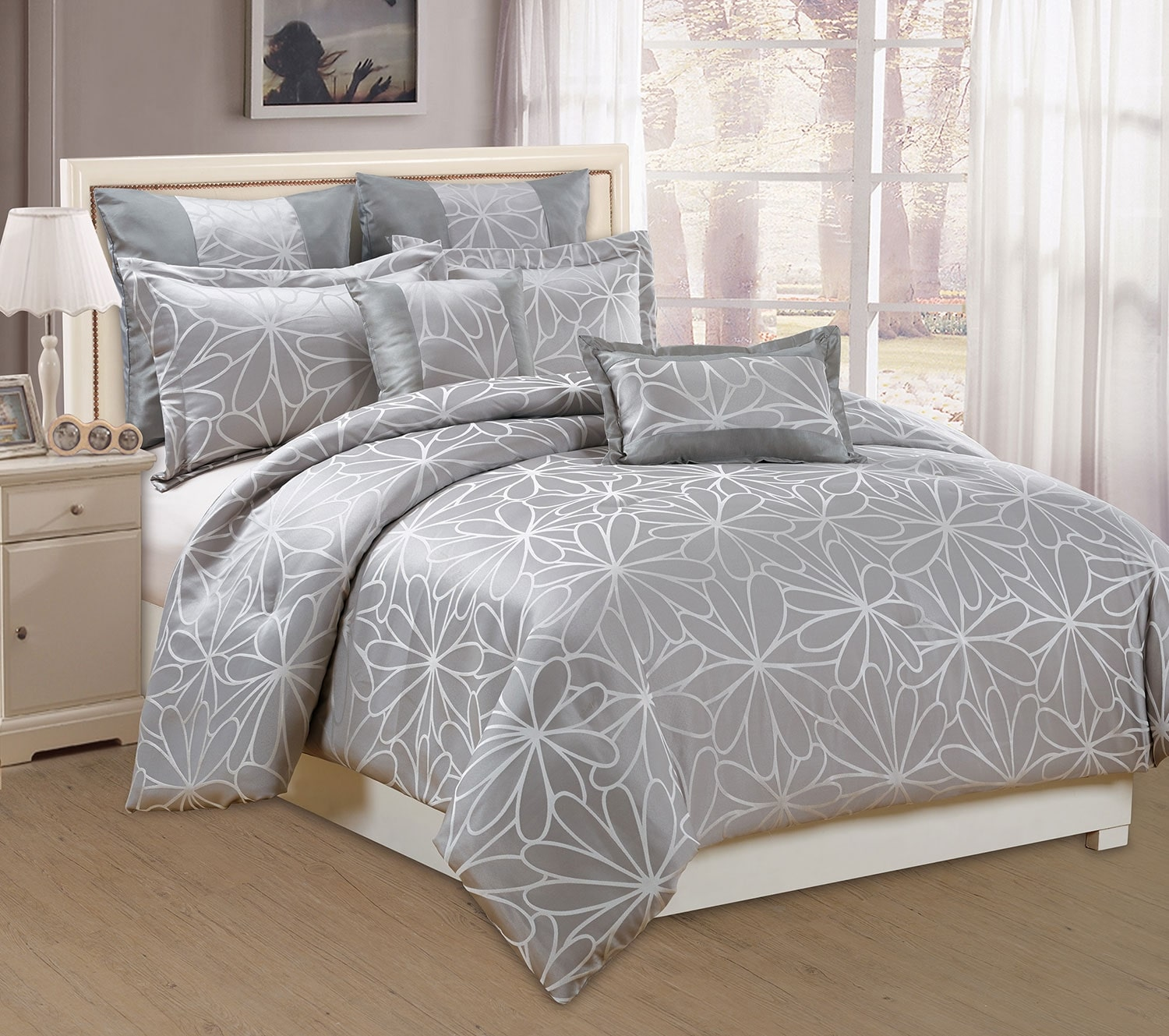 Mattresses and Bedding - Daisy 7-Piece Queen Comforter Set