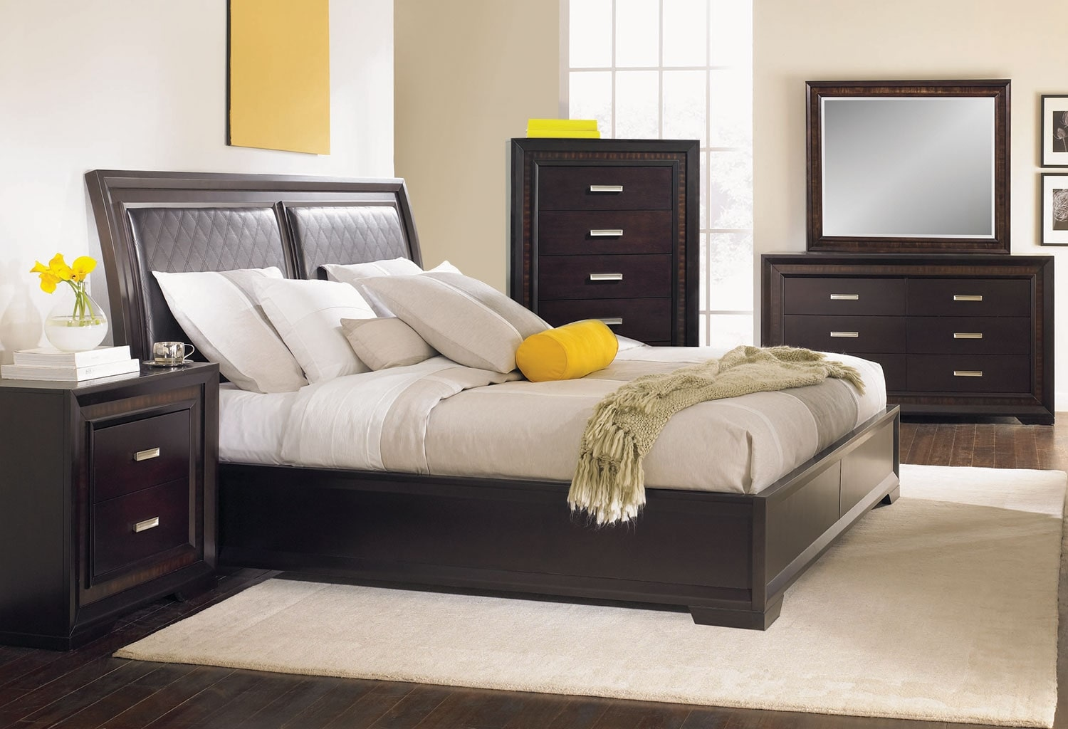 Bedroom Furniture - Brentwood 8-Piece Queen Bedroom Package