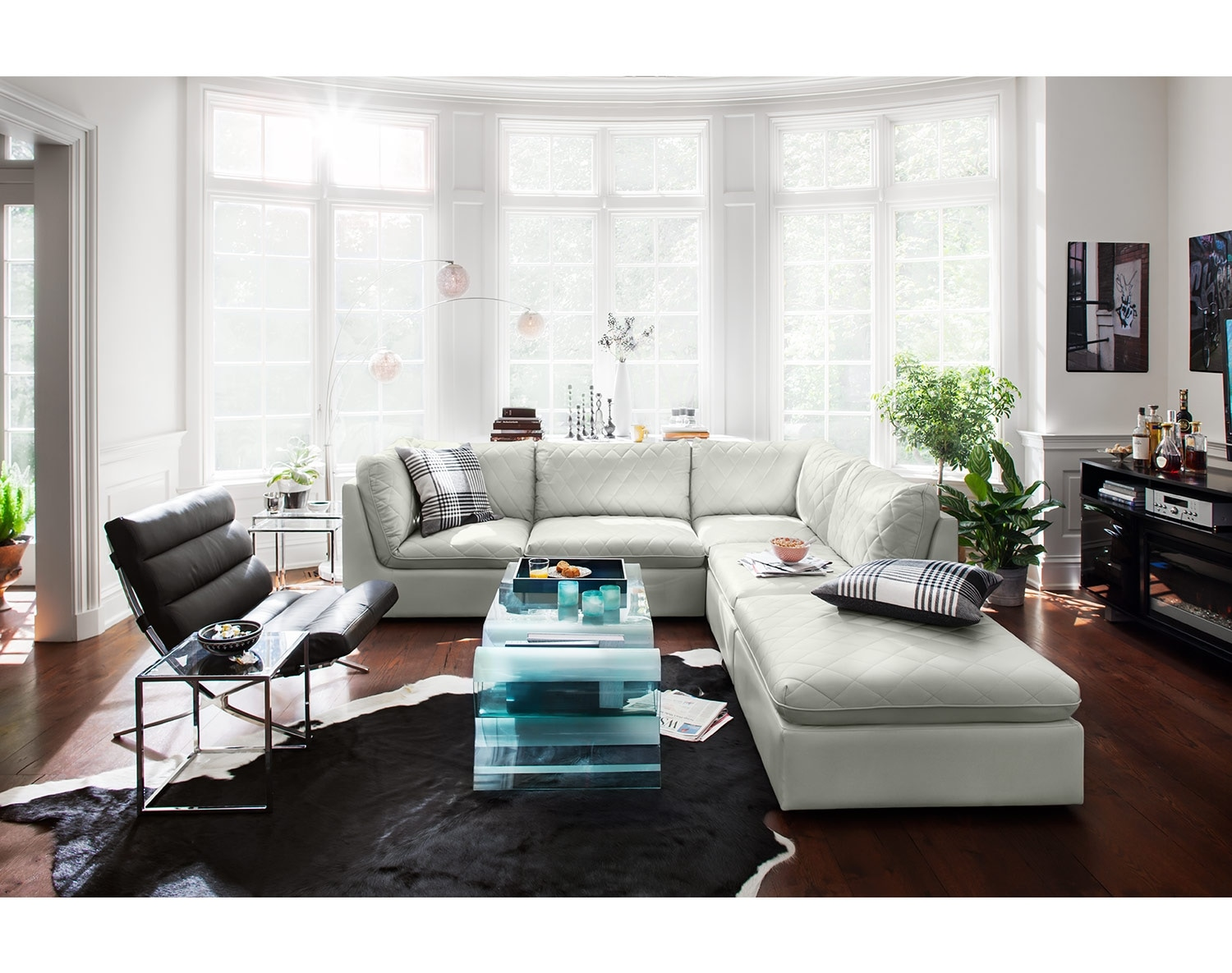 [The Coco Mist Living Room Collection]