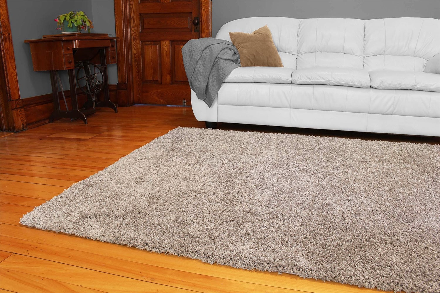 Shaggy Dark Grey Area Rug – 8' x 10'