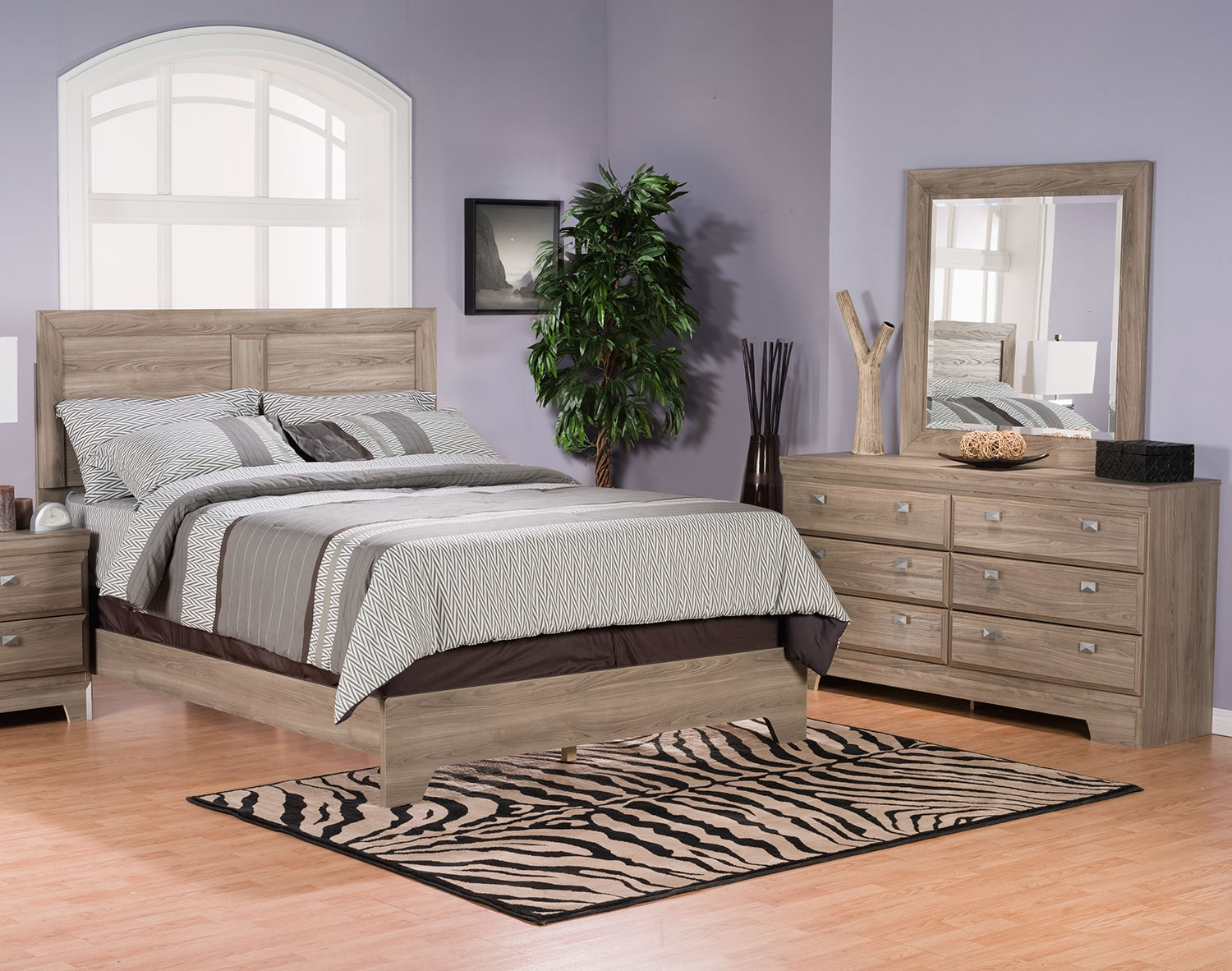 Bedroom Furniture - Yorkdale Light 5-Piece Queen Panel Bedroom Package