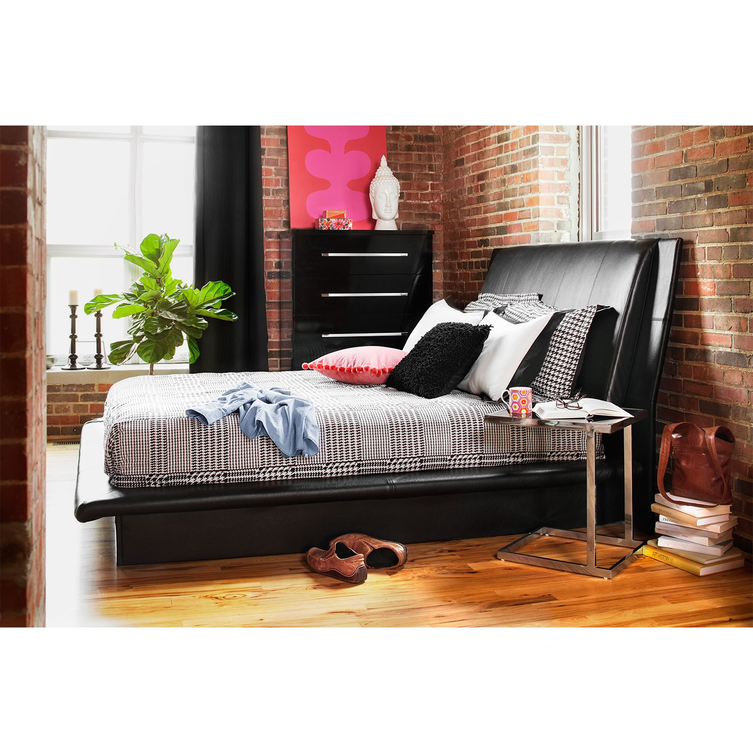 Dimora Queen Upholstered Bed Black American Signature