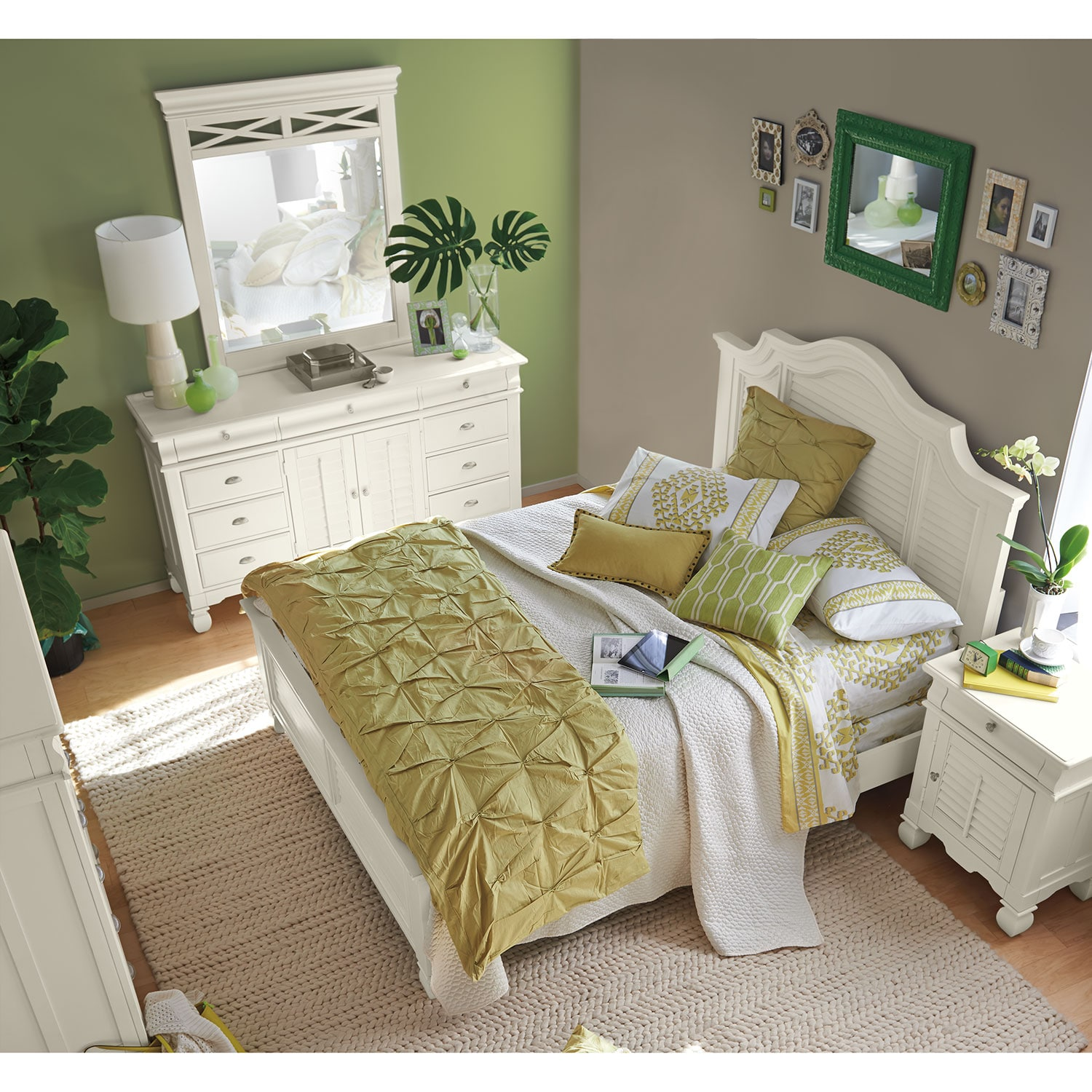 Plantation Cove King Panel Bed White American