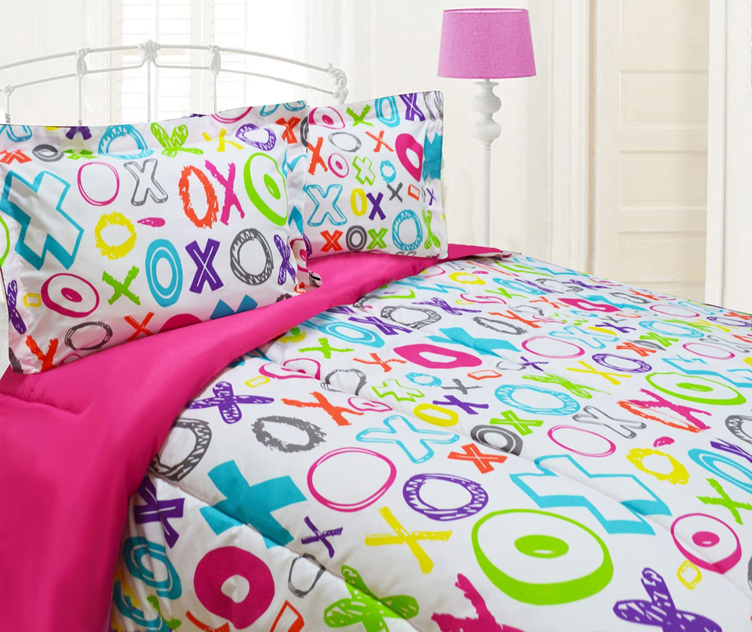 Mattresses and Bedding - XOXO 3-Piece Full Comforter Set