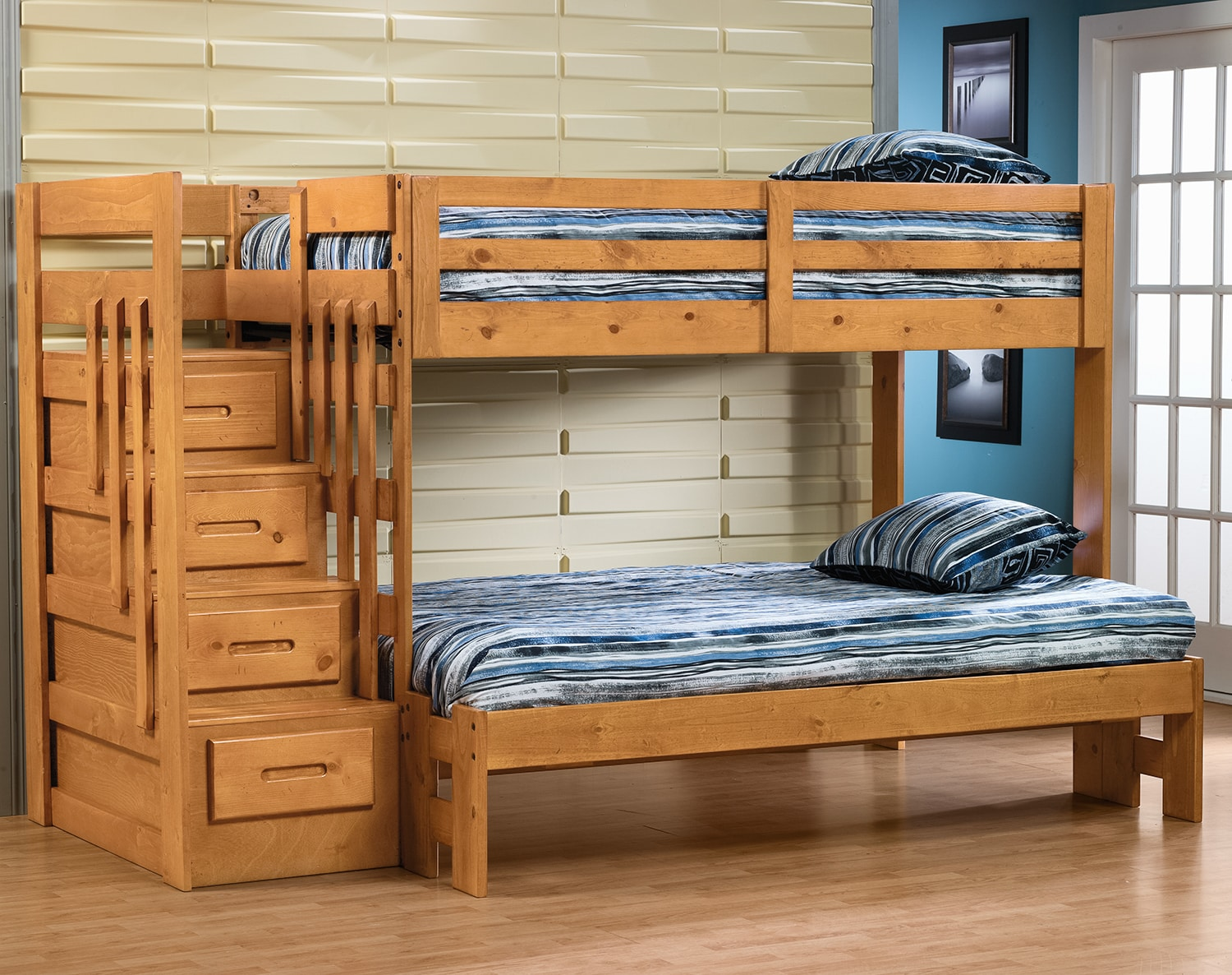Ponderosa Twin/Full Staircase Bunk Bed