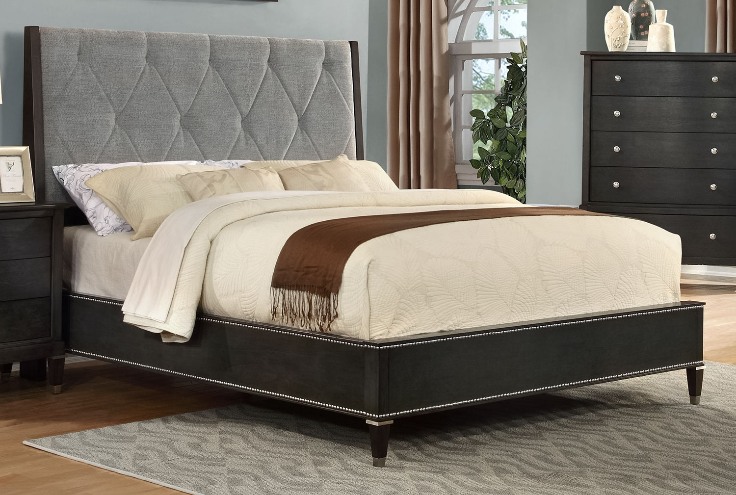 Nelson king bed pewter leon 39 s for Gourmet furniture bed design