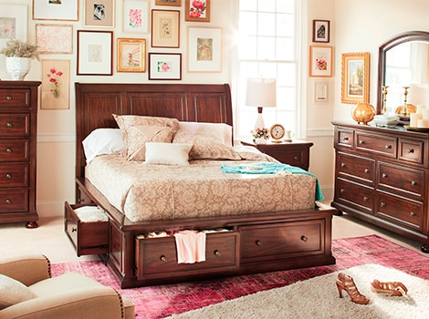 Sanibelle Queen Storage Bed