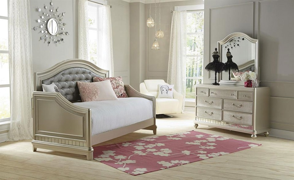 Lil' Posh 4-Piece Twin Daybed Bedroom Set - Platinum