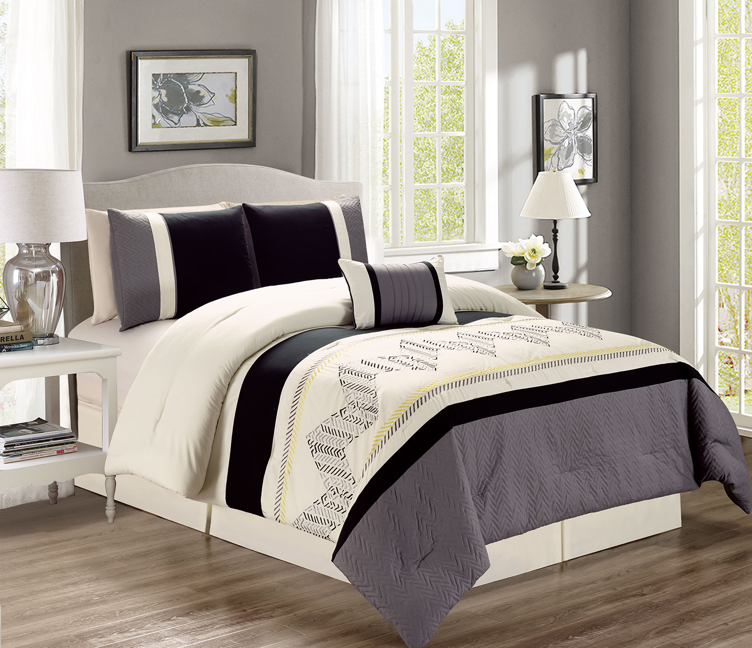 Lemoore 4-Piece Queen Comforter Set