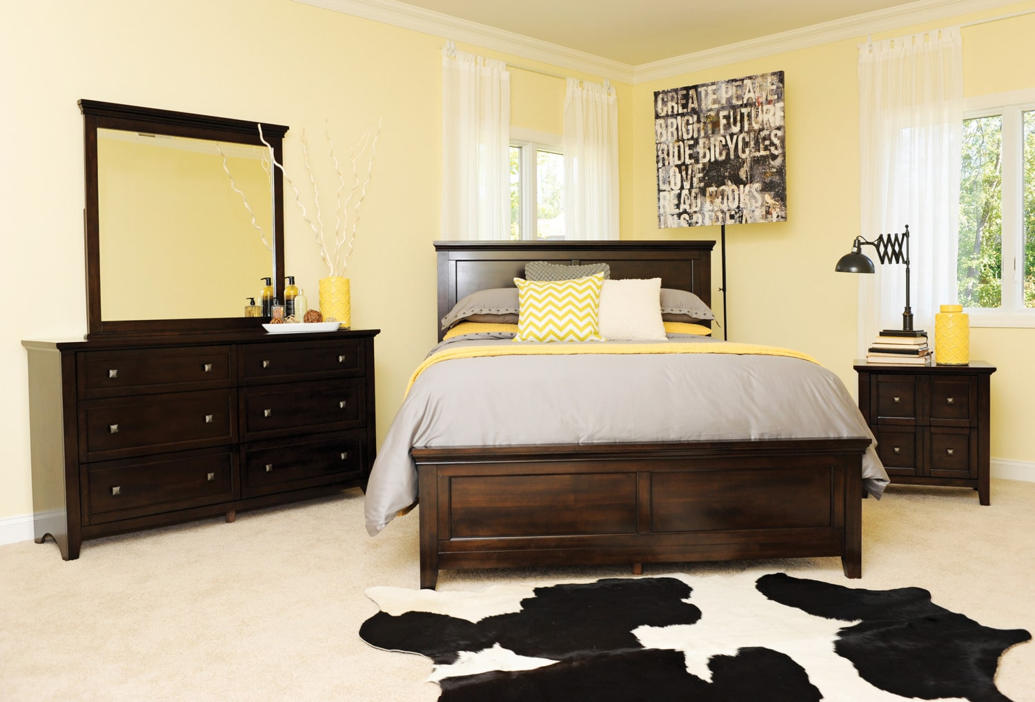 Melbourne King Bed Cherry Levin Furniture