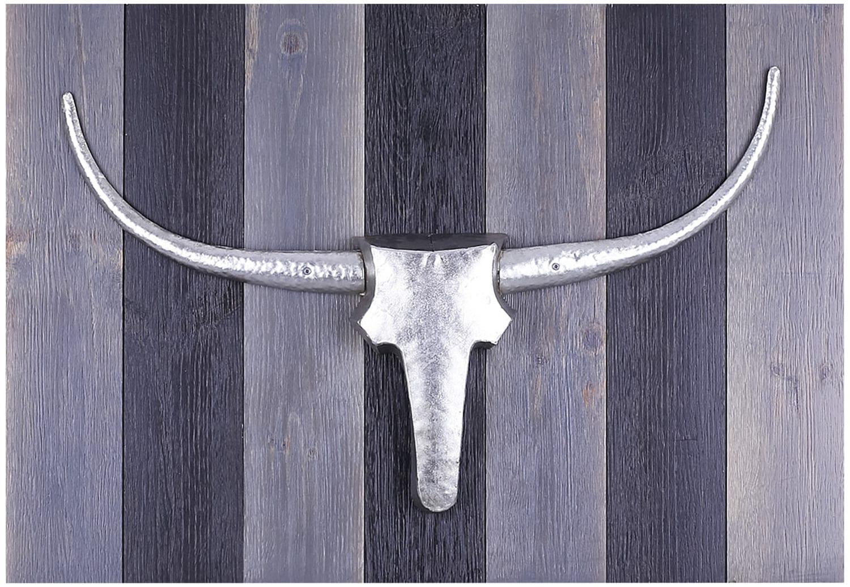 "Bull Head Silver – 18"" x 29"""