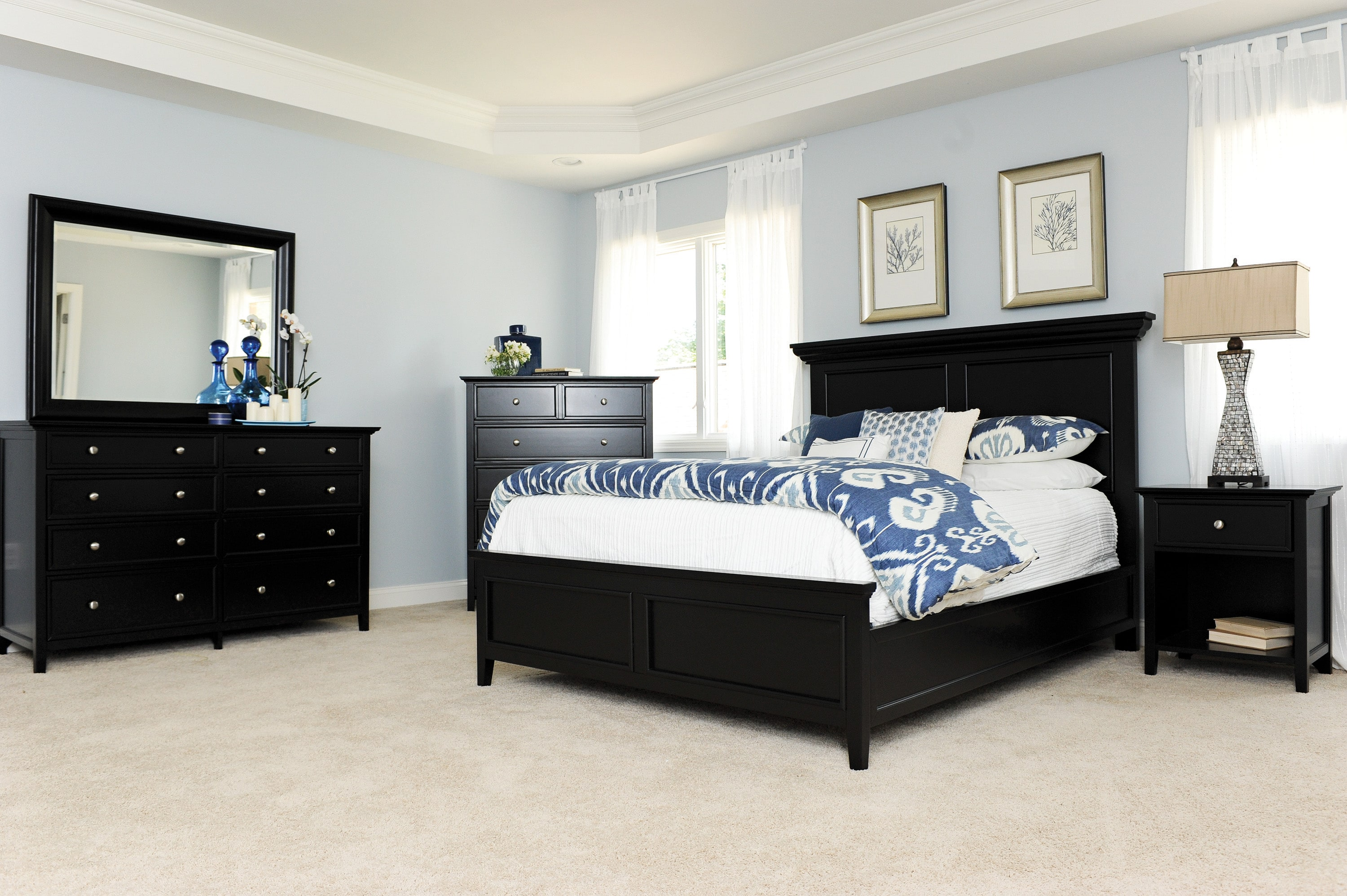 Bedroom Furniture - Ellsworth 4-Piece Queen Bedroom Set - Black