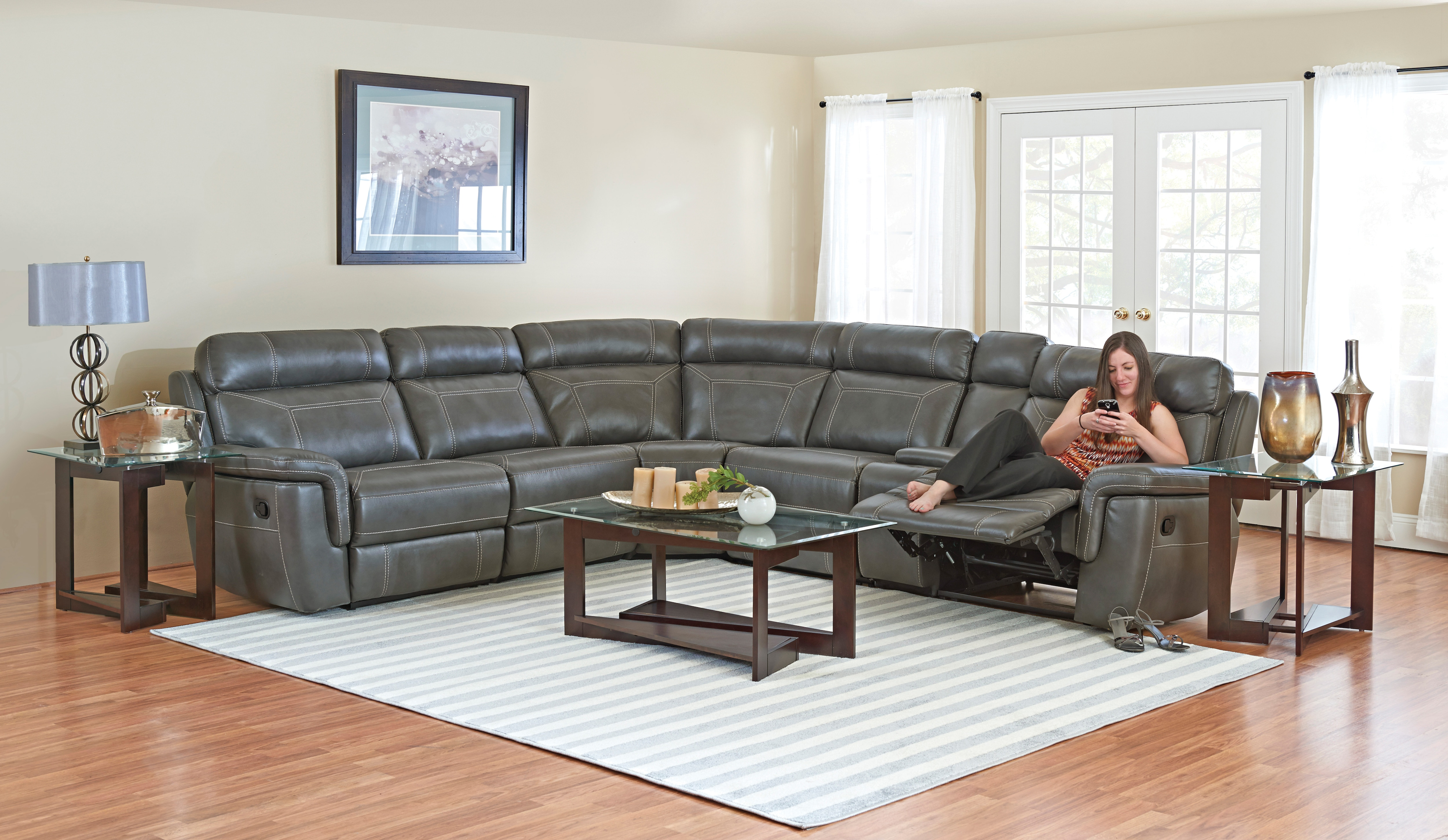 Everly 6pc Power Reclining Sectional