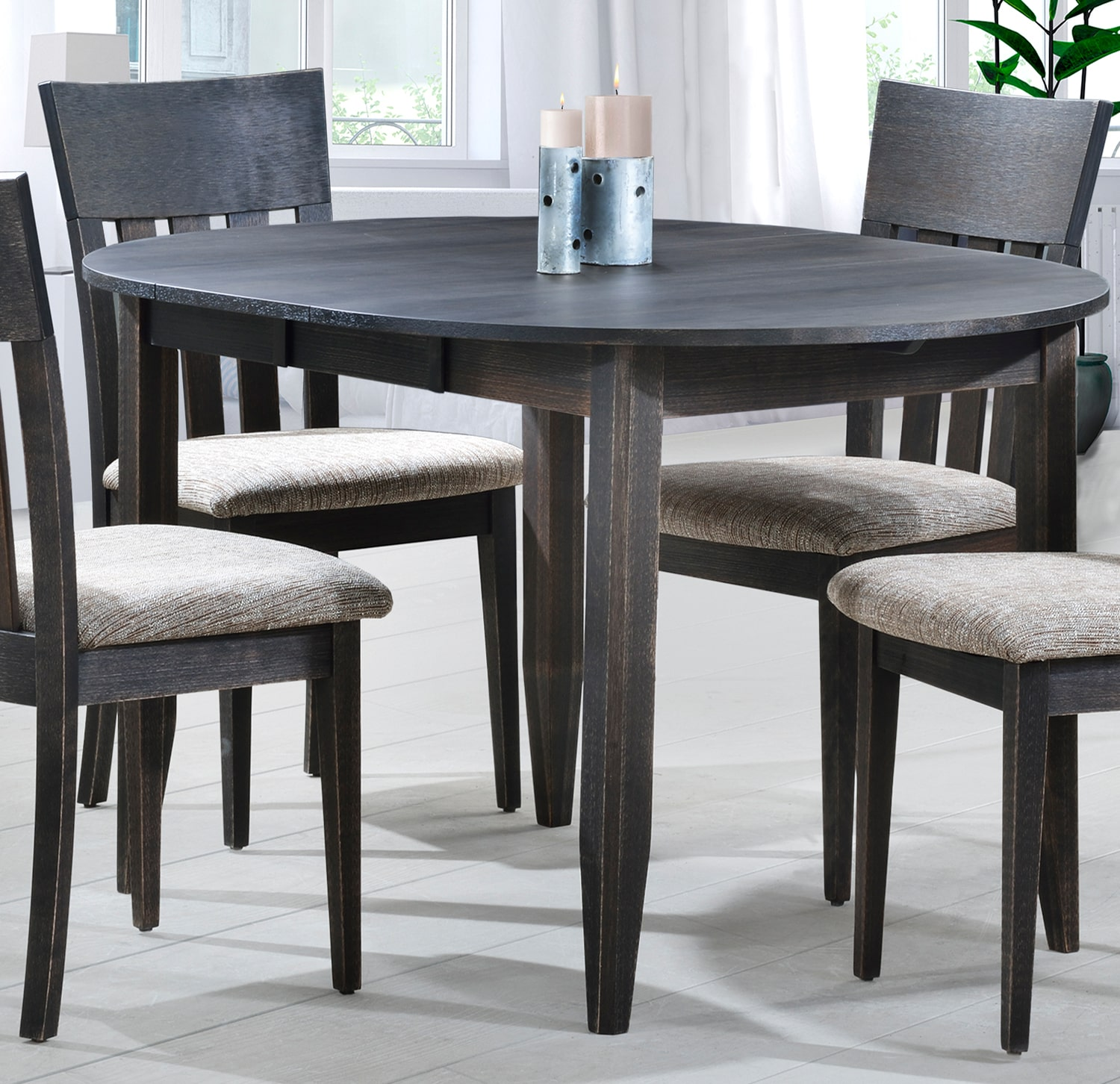 Dining room tables leon 39 s for Leon s dining room tables