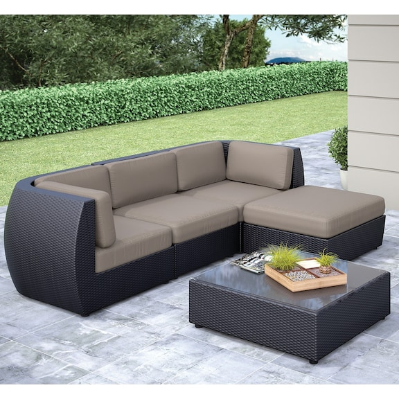 Outdoor furniture seattle sofa ottoman and table set for Furniture assembly seattle